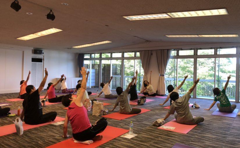 万葉リゾート「健康ヨガ」開催しました。